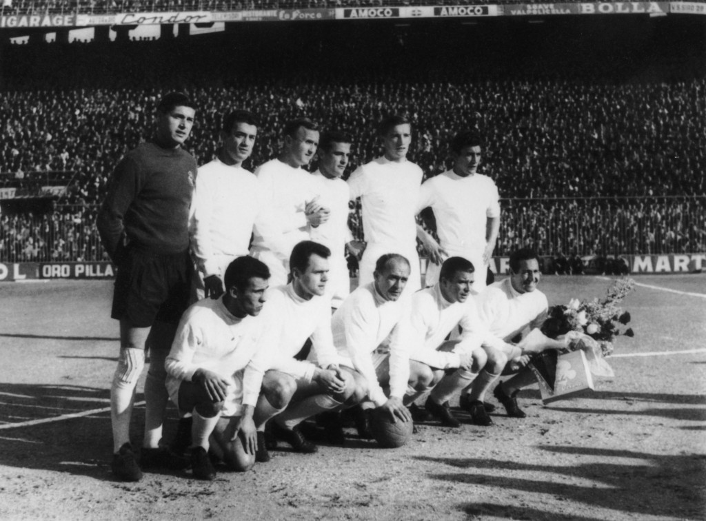 Real offered Manchester United to have Puskas, but unfortunately the Old Trafford club could not sign him due to FA rules against non-English speaking players. Di Stefano was also offered for a season-long loan but United failed to land him as they were not able to pay his wages due to financial crisis. (Photo Courtesy: Central Press/Hulton Archive/Getty Images