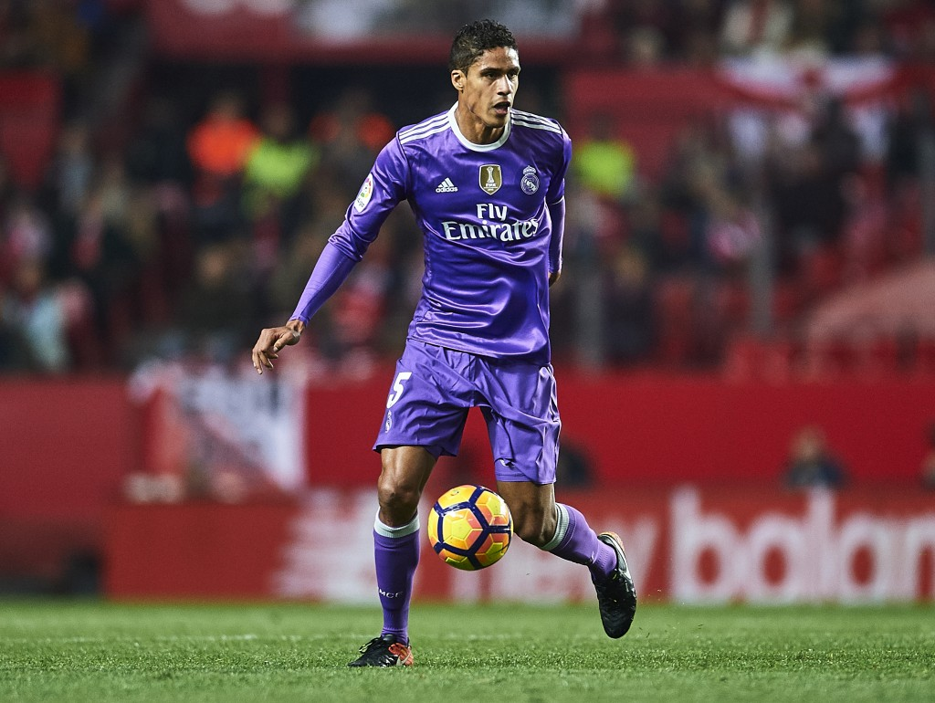 SEVILLE, SPAIN - JANUARY 15: Raphael Varane of Real Madrid CF in action during the La Liga match between Sevilla FC and Real Madrid CF at Estadio Ramon Sanchez Pizjuan on January 15, 2017 in Seville, Spain. (Photo by Aitor Alcalde/Getty Images)