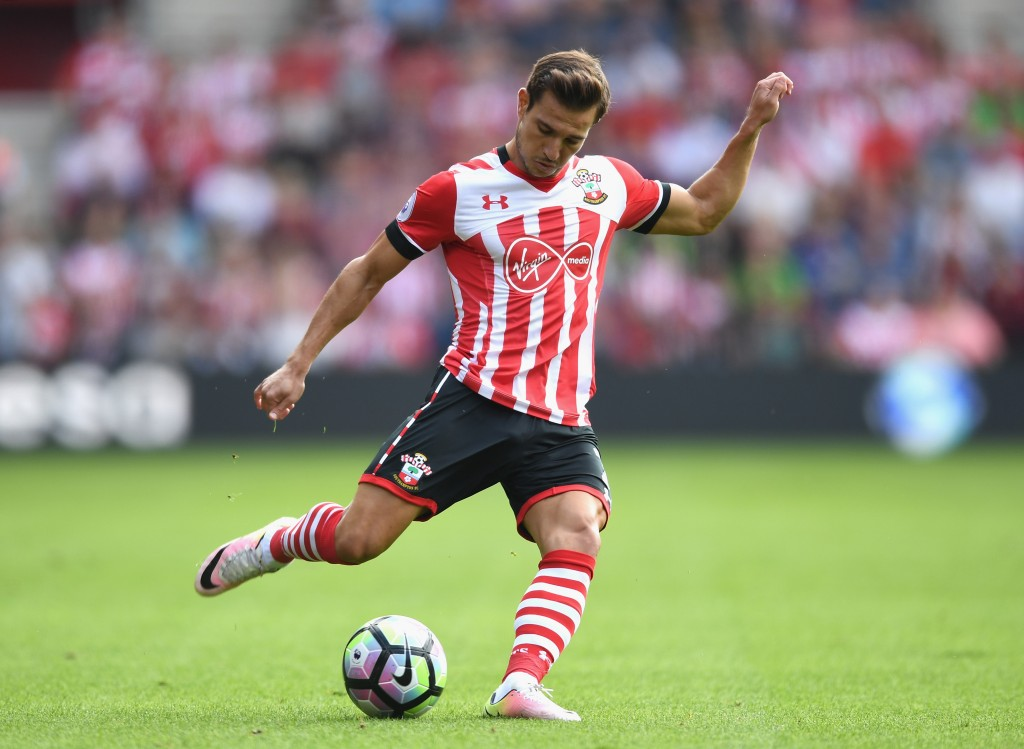 SOUTHAMPTON, ENGLAND - SEPTEMBER 18: Cedric Soares of Southampton in action during the Premier League match between Southampton and Swansea City at St Mary's Stadium on September 18, 2016 in Southampton, England. (Photo by Michael Regan/Getty Images)
