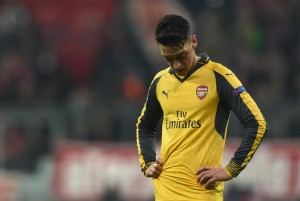 Mesut Ozil's agent says he is 100% committed to Arsenal, is being unfairly criticised. Is he correct?