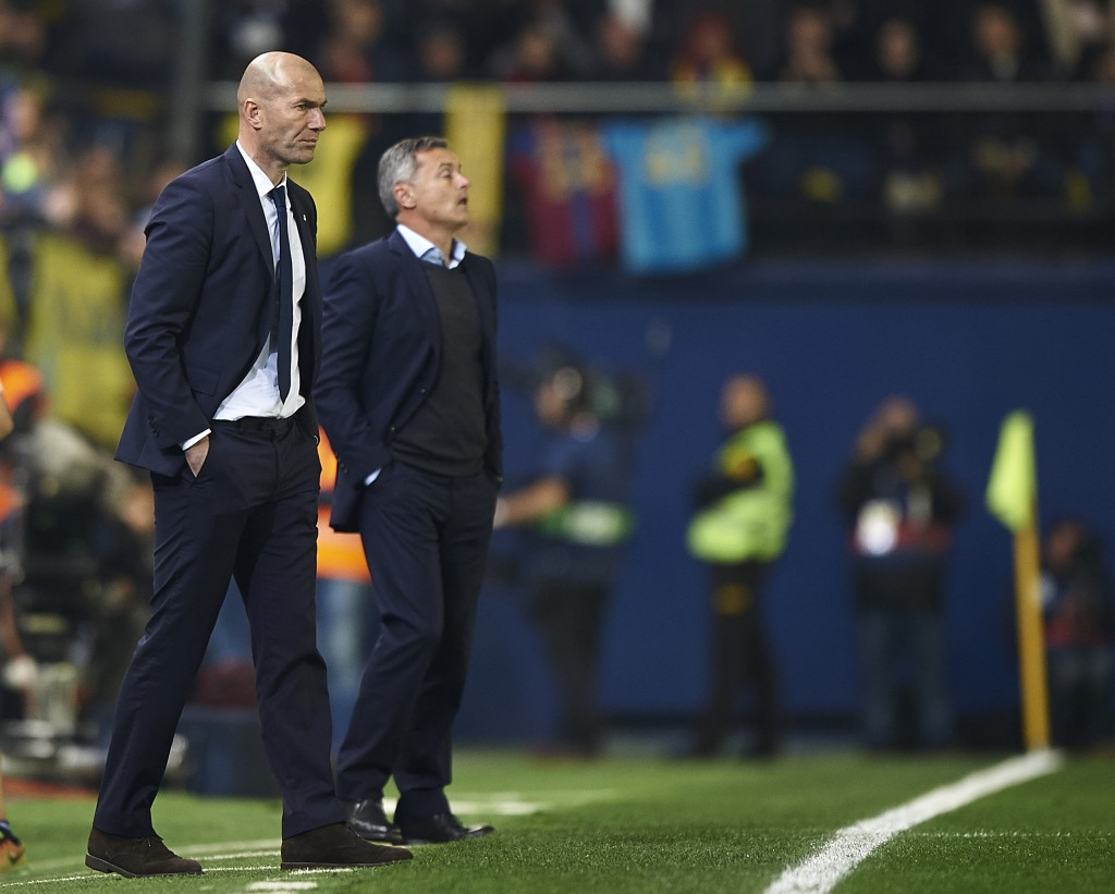 VILLARREAL, SPAIN - FEBRUARY 26: Real Madrid manager Zinedine Zidane looks on during the La Liga match between Villarreal CF and Real Madrid at Estadio de la Ceramica on February 26, 2017 in Villarreal, Spain. (Photo by Fotopress/Getty Images)