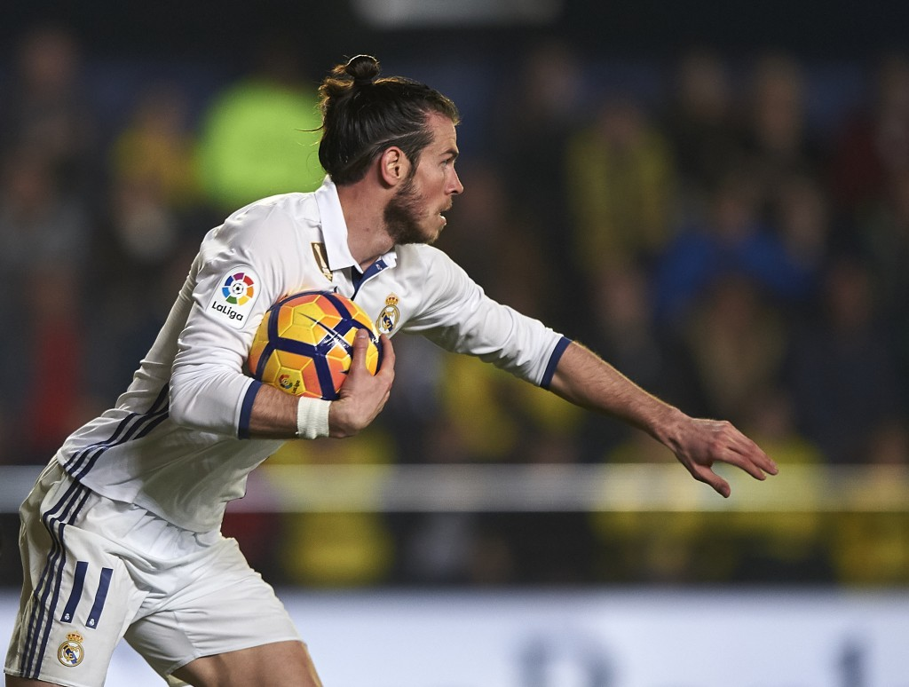 VILLARREAL, SPAIN - FEBRUARY 26: Gareth Bale of Real Madrid reacts after scoring the first goal during the La Liga match between Villarreal CF and Real Madrid at Estadio de la Ceramica on February 26, 2017 in Villarreal, Spain. (Photo by Fotopress/Getty Images)