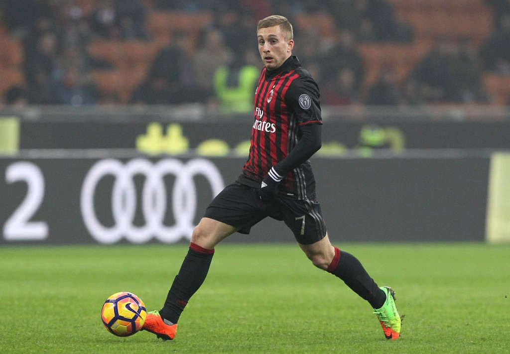 MILAN, ITALY - FEBRUARY 19: Gerard Deulofeu of AC Milan in action during the Serie A match between AC Milan and ACF Fiorentina at Stadio Giuseppe Meazza on February 19, 2017 in Milan, Italy. (Photo by Marco Luzzani/Getty Images)