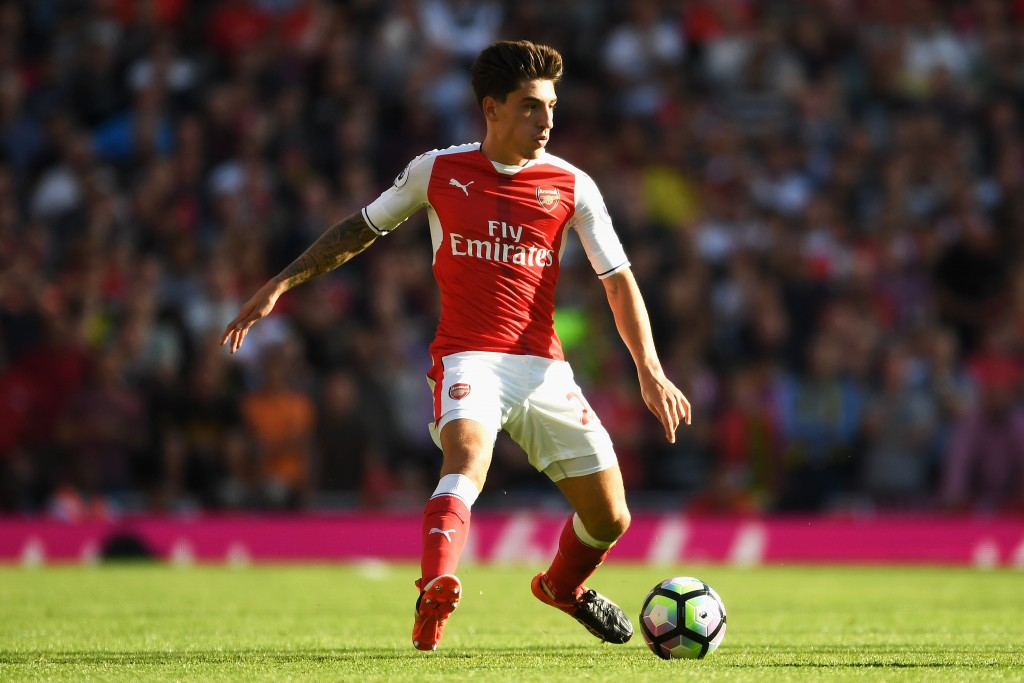 LONDON, ENGLAND - AUGUST 14: Hector Bellerin of Arsenal in action during the Premier League match between Arsenal and Liverpool at Emirates Stadium on August 14, 2016 in London, England. (Photo by Mike Hewitt/Getty Images)