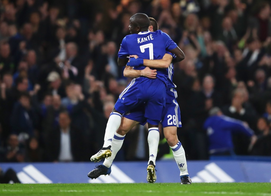 LONDON, ENGLAND - MARCH 13: N'Golo Kante of Chelsea (7) celebrates as he scores their first goal with Cesar Azpilicueta during The Emirates FA Cup Quarter-Final match between Chelsea and Manchester United at Stamford Bridge on March 13, 2017 in London, England. (Photo by Julian Finney/Getty Images)