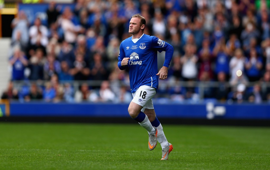 LIVERPOOL, ENGLAND - AUGUST 02: Wayne Rooney of Everton and Manchester United runs on to the pitch as he replaces Tom Cleverley of Everton during the Duncan Ferguson Testimonial match between Everton and Villarreal at Goodison Park on August 2, 2015 in Liverpool, England. (Photo by Clive Brunskill/Getty Images)