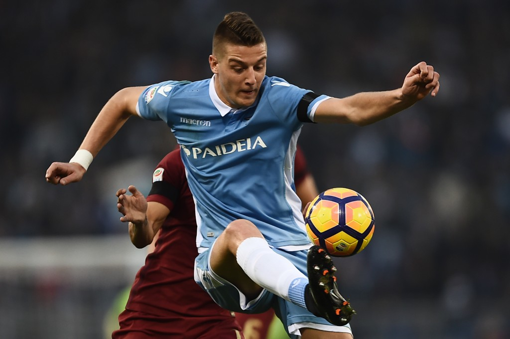 Lazio's midfielder from Serbia Sergej Milinkovic-Savic controls the ball during the Italian Serie A football match SS Lazio vs AS Roma on December 4, 2016 at the Olympic stadium in Rome. / AFP / FILIPPO MONTEFORTE (Photo credit should read FILIPPO MONTEFORTE/AFP/Getty Images)