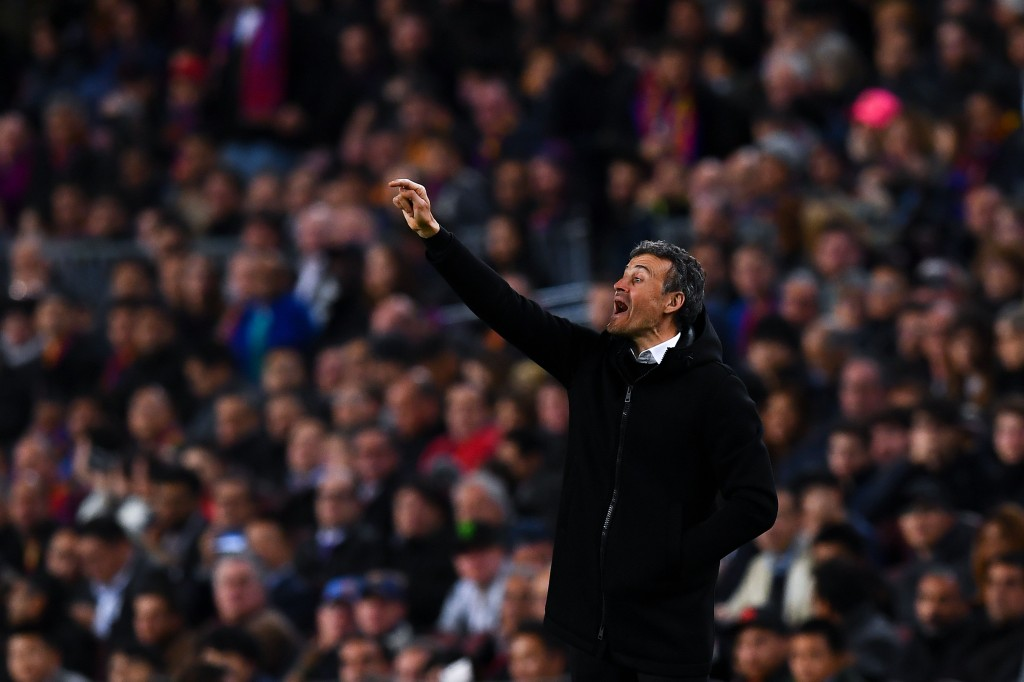 BARCELONA, SPAIN - MARCH 01: Head coach Luis Enrique of FC Barcelona directs his players during the La Liga match between FC Barcelona and Real Sporting de Gijon at Camp Nou stadium on March 1, 2017 in Barcelona, Spain. (Photo by David Ramos/Getty Images)