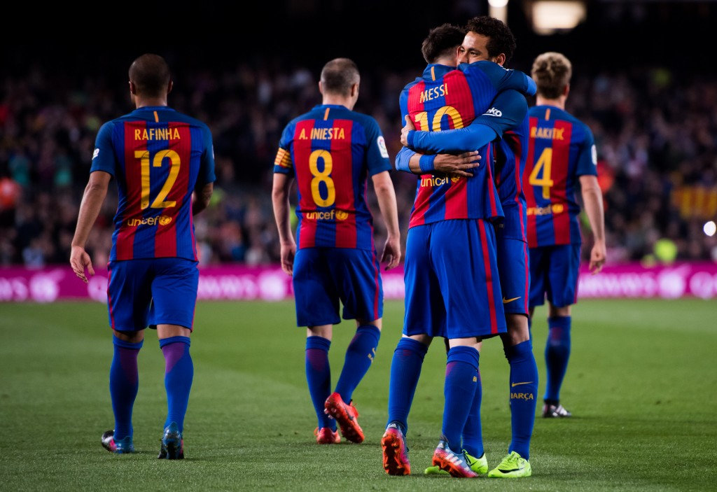 BARCELONA, SPAIN - MARCH 19: Lionel Messi (3rd L) of FC Barcelona celebrates with his teammate Neymar Santos Jr (2nd R) after scoring his team's third goal during the La Liga match between FC Barcelona and Valencia CF at Camp Nou stadium on March 19, 2017 in Barcelona, Spain. (Photo by Alex Caparros/Getty Images)