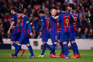 Messi brace guides Barcelona to thrilling 4-2 victory over Valencia [Best Tweets]