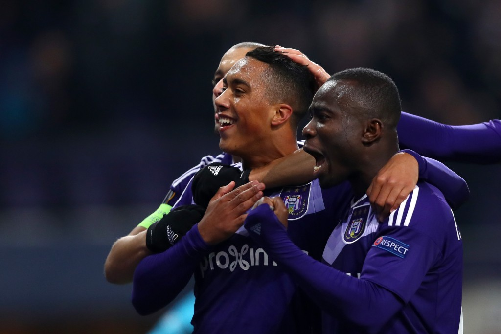 BRUSSELS, BELGIUM - NOVEMBER 03: Youri Tielemans of RSC Anderlecht celebrates with team-mates after scoring his team's third goal during the UEFA Europa League Group C match between RSC Anderlecht and 1. FSV Mainz 05 at Constant Vanden Stock Stadium on November 3, 2016 in Brussels, Belgium. (Photo by Dean Mouhtaropoulos/Getty Images)