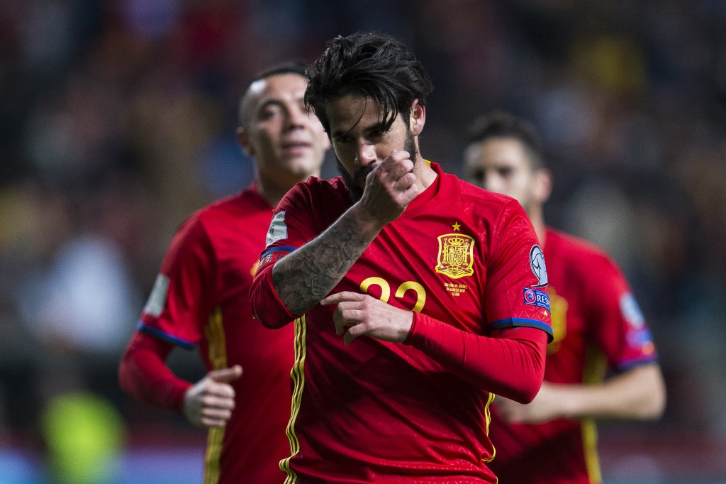 GIJON, SPAIN - MARCH 24: Francisco Roman 'Isco' of Spain celebrates after scoring his team's fourth goal during the FIFA 2018 World Cup Qualifier between Spain and Israel at Estadio El Molinon on March 24, 2017 in Gijon, Spain. (Photo by Juan Manuel Serrano Arce/Getty Images)