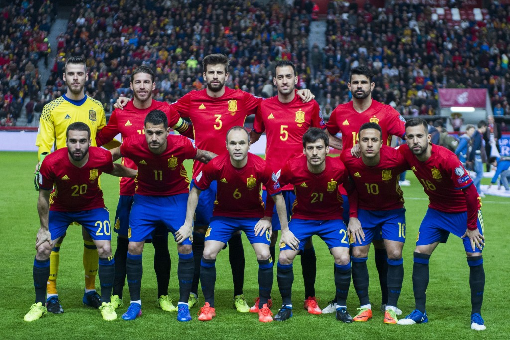 GIJON, SPAIN - MARCH 24: The Spain players line up for a team photo prior to the FIFA 2018 World Cup Qualifier between Spain and Israel at Estadio El Molinon on March 24, 2017 in Gijon, Spain. (Photo by Juan Manuel Serrano Arce/Getty Images)