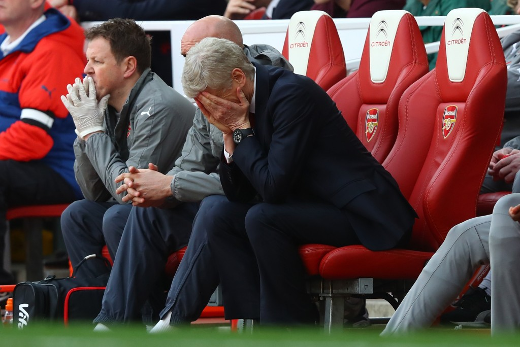 LONDON, ENGLAND - APRIL 02: Arsene Wenger, Manager of Arsenal is dejected after the Premier League match between Arsenal and Manchester City at Emirates Stadium on April 2, 2017 in London, England. (Photo by Clive Rose/Getty Images)