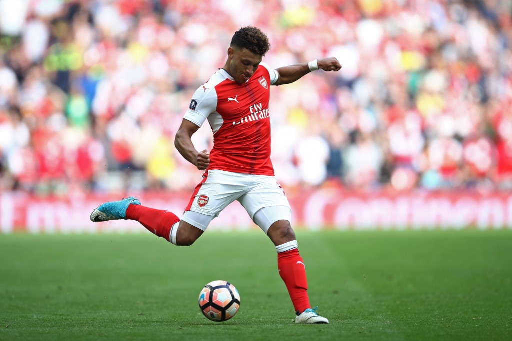 LONDON, ENGLAND - APRIL 23: Alex Oxlade-Chamberlain of Arsenal in action during the Emirates FA Cup Semi-Final match between Arsenal and Manchester City at Wembley Stadium on April 23, 2017 in London, England. (Photo by Julian Finney/Getty Images,)