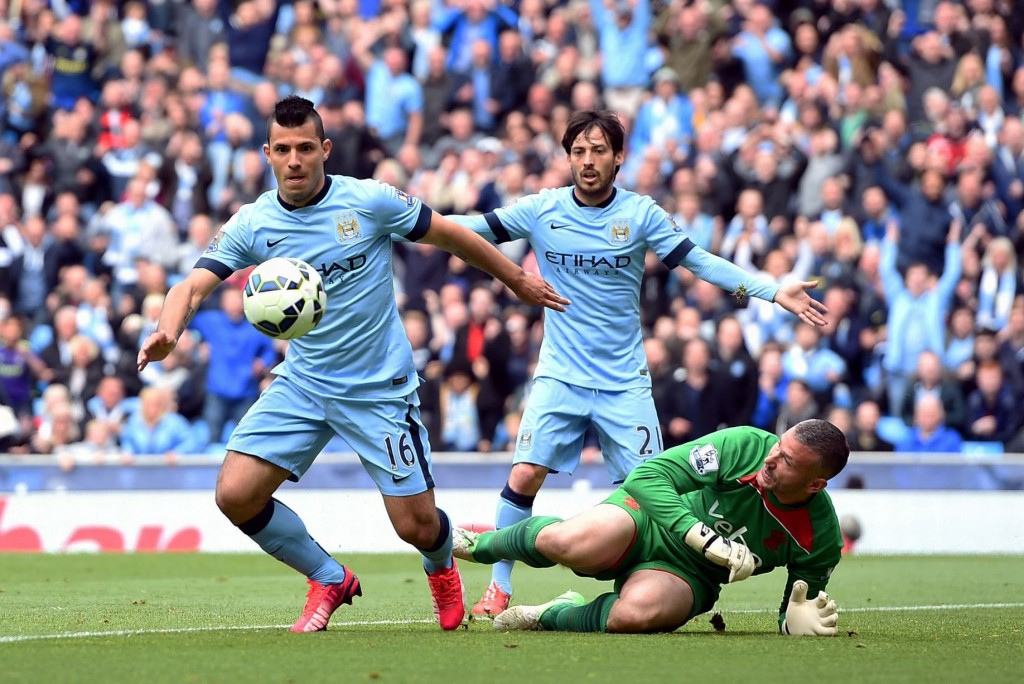 Sergio Aguero and David Silva in action against Southampton. (Courtesy: Getty)