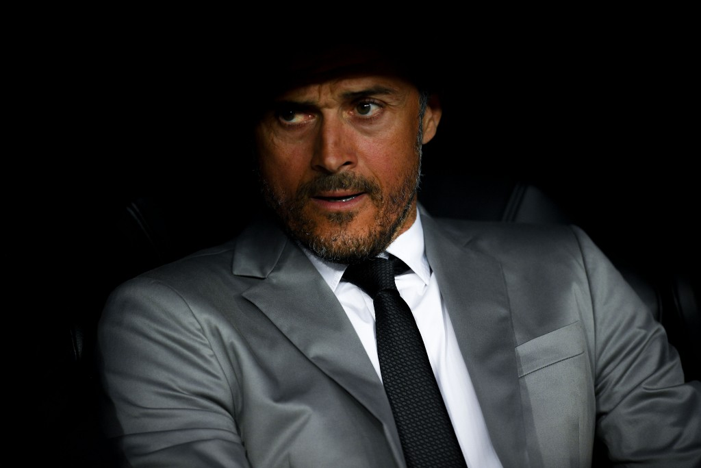 MADRID, SPAIN - APRIL 23: Head coach Luis Enrique of FC Barcelona looks on during the La Liga match between Real Madrid CF and FC Barcelona at the Santiago Bernabeu stadium on April 23, 2017 in Madrid, Spain. (Photo by David Ramos/Getty Images)