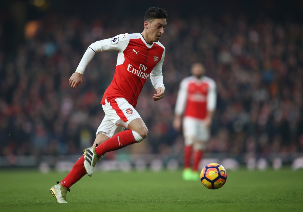 LONDON, ENGLAND - JANUARY 22: Mesut Ozil of Arsenal in action during the Premier League match between Arsenal and Burnley at Emirates Stadium on January 22, 2017 in London, England. (Photo by Julian Finney/Getty Images)