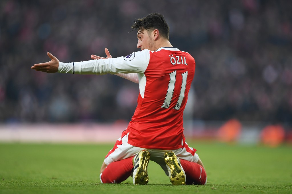 LONDON, ENGLAND - JANUARY 22: Mesut Ozil of Arsenal reacts during the Premier League match between Arsenal and Burnley at the Emirates Stadium on January 22, 2017 in London, England. (Photo by Shaun Botterill/Getty Images)