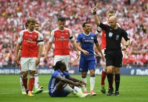 Victor Moses dive helps make way for Arsenal's 13th FA Cup title at the expense of Chelsea [Best Tweets]