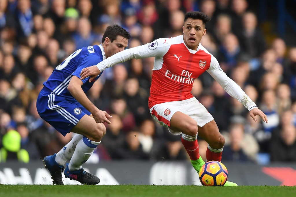 LONDON, ENGLAND - FEBRUARY 04: Alexis Sanchez of Arsenal in action during the Premier League match between Chelsea and Arsenal at Stamford Bridge on February 4, 2017 in London, England. (Photo by Mike Hewitt/Getty Images)