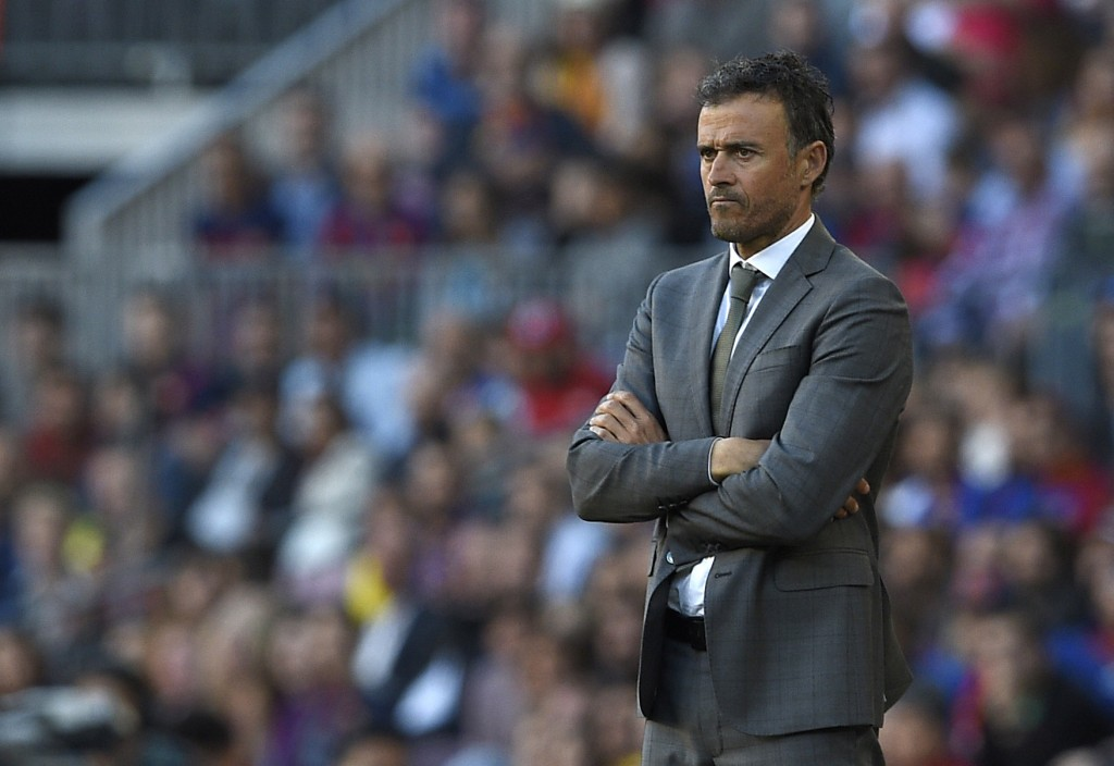 Barcelona's coach Luis Enrique looks on during the Spanish league football match FC Barcelona vs Villarreal CF at the Camp Nou stadium in Barcelona on May 6, 2017. / AFP PHOTO / LLUIS GENE (Photo credit should read LLUIS GENE/AFP/Getty Images)