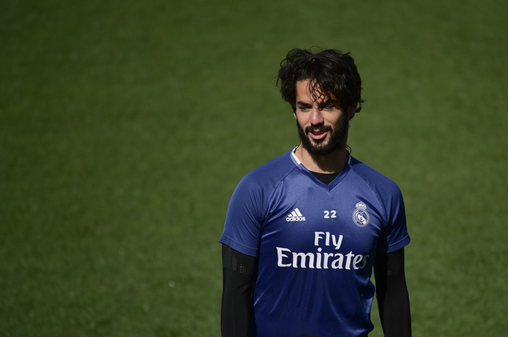 Real Madrid's midfielder Isco attends a training session at Valdebebas Sport City in Madrid on April 28, 2017 on the eve of their Liga football match against Valencia. / AFP PHOTO / PIERRE-PHILIPPE MARCOU (Photo credit should read PIERRE-PHILIPPE MARCOU/AFP/Getty Images)