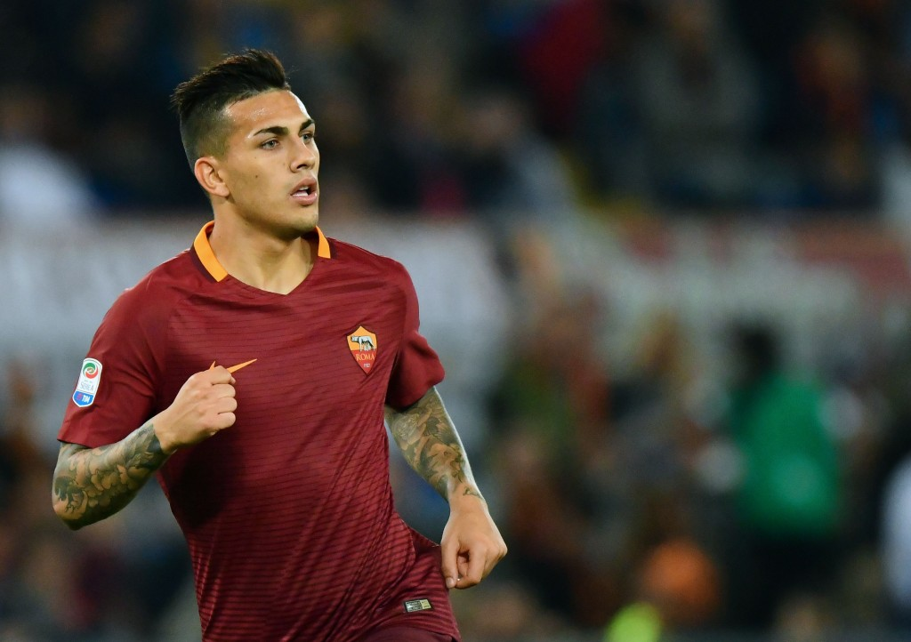 AS Roma's Argentinian midfielder Leandro Paredes celebrates after scoring during their Serie A football match AS Roma vs Palermo at the Olympic stadium in Rome on October 23, 2016. / AFP / VINCENZO PINTO (Photo credit should read VINCENZO PINTO/AFP/Getty Images)