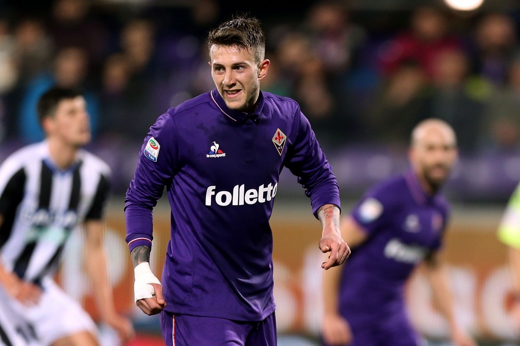 FLORENCE, ITALY - FEBRUARY 11: Federico Bernardeschi of ACF Fiorentina celebrates after scoring a goal during the Serie A match between ACF Fiorentina and Udinese Calcio at Stadio Artemio Franchi on February 11, 2017 in Florence, Italy. (Photo by Gabriele Maltinti/Getty Images)