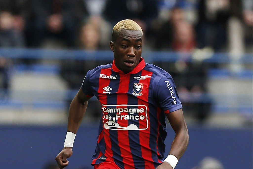 Caen's French forward Yann Karamoh controls the ball during the French L1 football match between Caen (SMC) and Monaco (AS) on March 19, 2017 at the Michel d'Ornano stadium in Caen, northwestern France. / AFP PHOTO / CHARLY TRIBALLEAU (Photo credit should read CHARLY TRIBALLEAU/AFP/Getty Images)