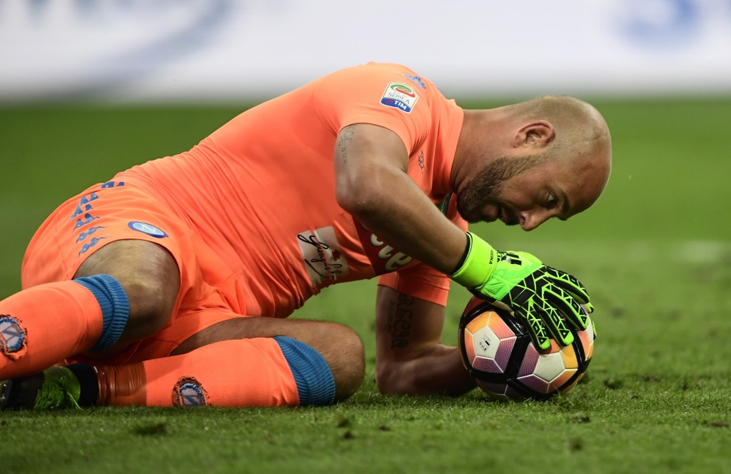 Napoli's Spanish goalkeeper Jose Manuel Reina grabs the ball during the Italian Serie A football match between Inter Milan and Napoli at the San Siro stadium in Milan on April 30, 2017. / AFP PHOTO / MIGUEL MEDINA (Photo credit should read MIGUEL MEDINA/AFP/Getty Images)