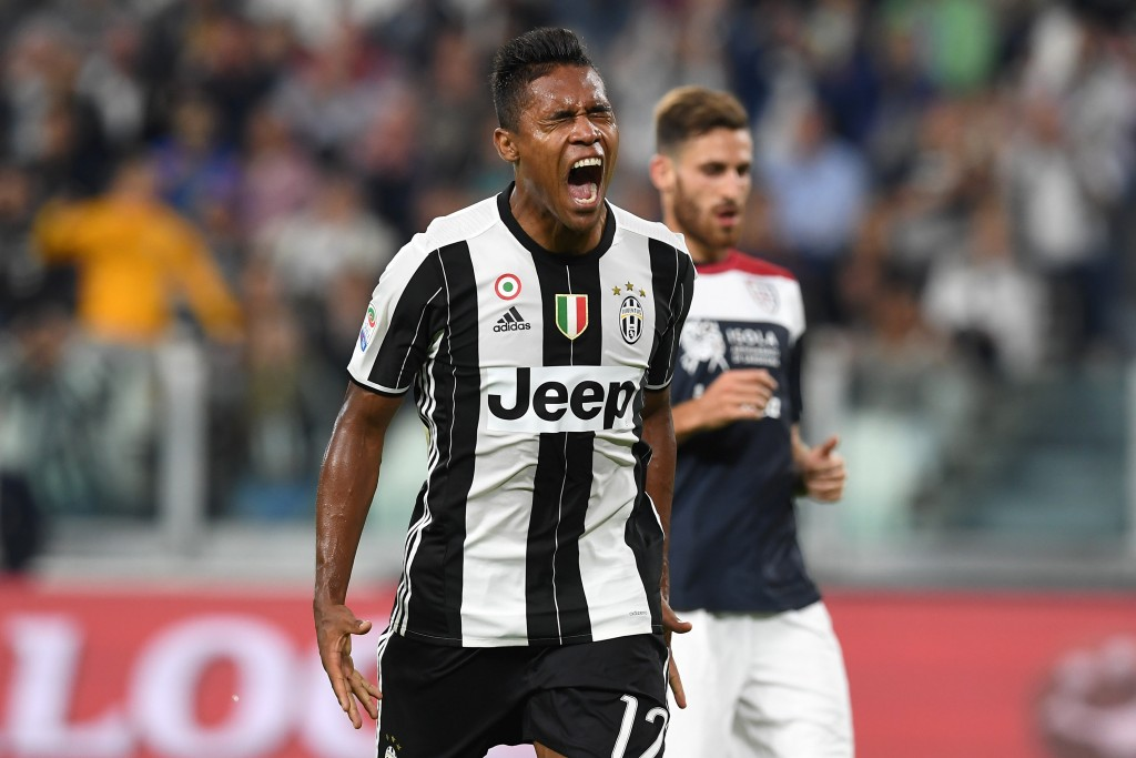 TURIN, ITALY - SEPTEMBER 21: Alex Sandro of Juventus FC reacts during the Serie A match between Juventus FC and Cagliari Calcio at Juventus Stadium on September 21, 2016 in Turin, Italy. (Photo by Valerio Pennicino/Getty Images)