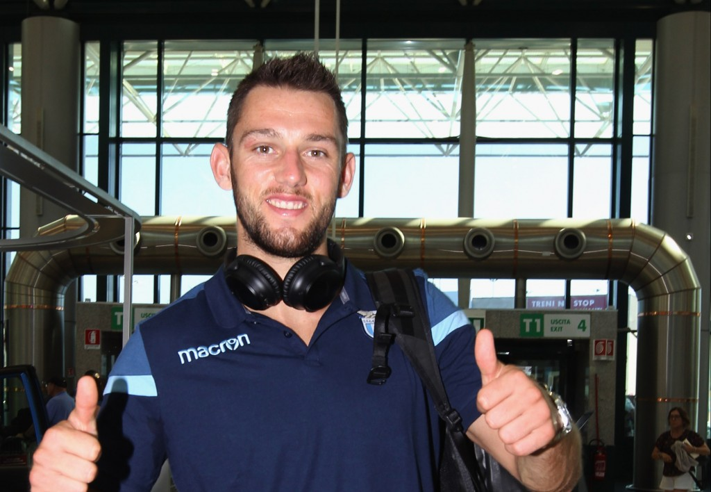 ROME, ITALY - JULY 08: Stefan De Vrij of SS Lazio departs for pre-season training camp on July 8, 2017 in Rome, Italy. (Photo by Paolo Bruno/Getty Images)