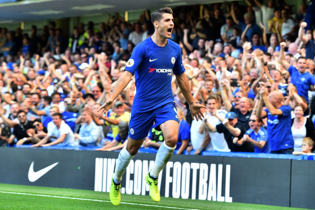Chelsea's Spanish striker Alvaro Morata celebrates scoring his team's second goal during the English Premier League football match between Chelsea and Everton at Stamford Bridge in London on August 27, 2017. / AFP PHOTO / Glyn KIRK / RESTRICTED TO EDITORIAL USE. No use with unauthorized audio, video, data, fixture lists, club/league logos or 'live' services. Online in-match use limited to 75 images, no video emulation. No use in betting, games or single club/league/player publications. / (Photo credit should read GLYN KIRK/AFP/Getty Images)
