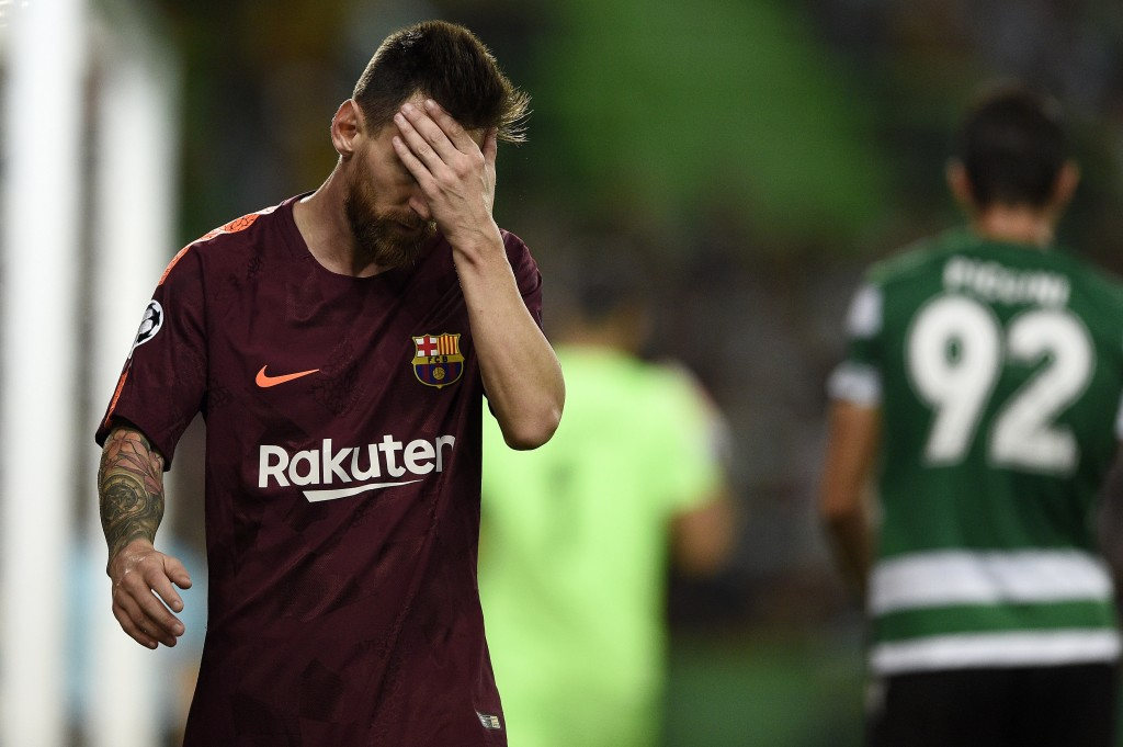 LISBON, PORTUGAL - SEPTEMBER 27: Lionel Messi of FC Barcelona reacts after missing a goal opportunity during the UEFA Champions League group D match between Sporting CP and FC Barcelona at Estadio Jose Alvalade on September 27, 2017 in Lisbon, Portugal. (Photo by Octavio Passos/Getty Images)