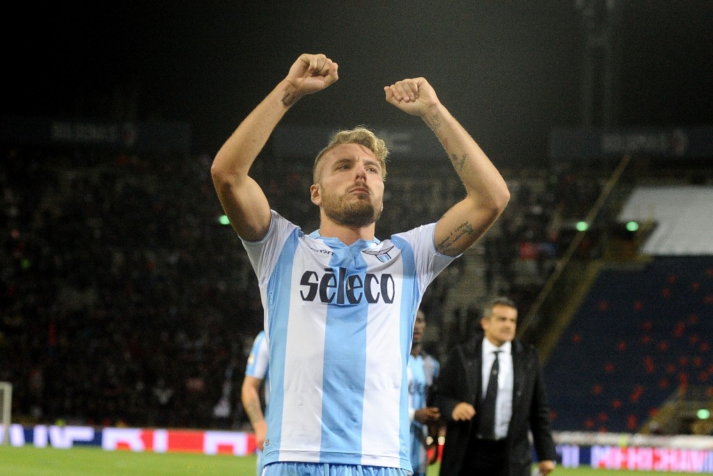 BOLOGNA, ITALY - OCTOBER 25: Ciro Immobile of SS Lazio celebtrates at the end of the Serie A match between Bologna FC and SS Lazio at Stadio Renato Dall'Ara on October 25, 2017 in Bologna, Italy. (Photo by Mario Carlini / Iguana Press/Getty Images)