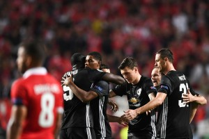 SL Benfica 0-1 Manchester United: Mourinho's men battle hard to continue perfect UCL run [Best Tweets]