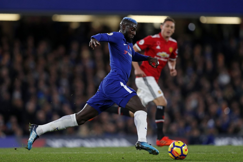 Chelsea's French midfielder Tiemoue Bakayoko controls the ball during the English Premier League football match between Chelsea and Manchester United at Stamford Bridge in London on November 5, 2017. / AFP PHOTO / Adrian DENNIS / RESTRICTED TO EDITORIAL USE. No use with unauthorized audio, video, data, fixture lists, club/league logos or 'live' services. Online in-match use limited to 75 images, no video emulation. No use in betting, games or single club/league/player publications. / (Photo credit should read ADRIAN DENNIS/AFP/Getty Images)