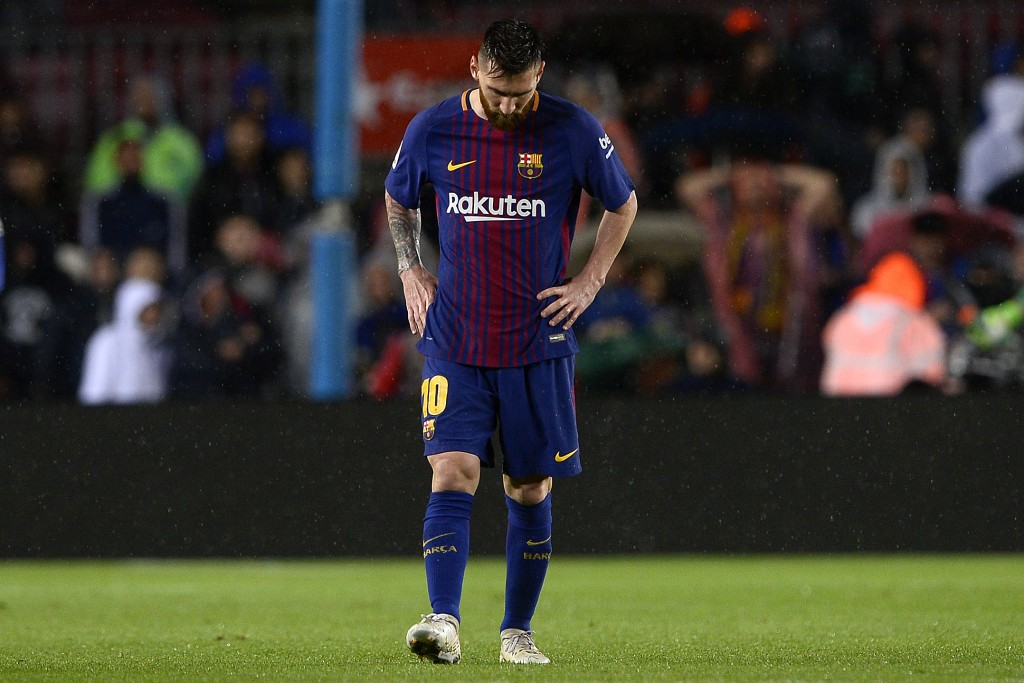 Barcelona's Argentinian forward Lionel Messi reacts during the Spanish league football match FC Barcelona vs Sevilla FC at the Camp Nou stadium in Barcelona on November 4, 2017. / AFP PHOTO / Josep LAGO (Photo credit should read JOSEP LAGO/AFP/Getty Images)