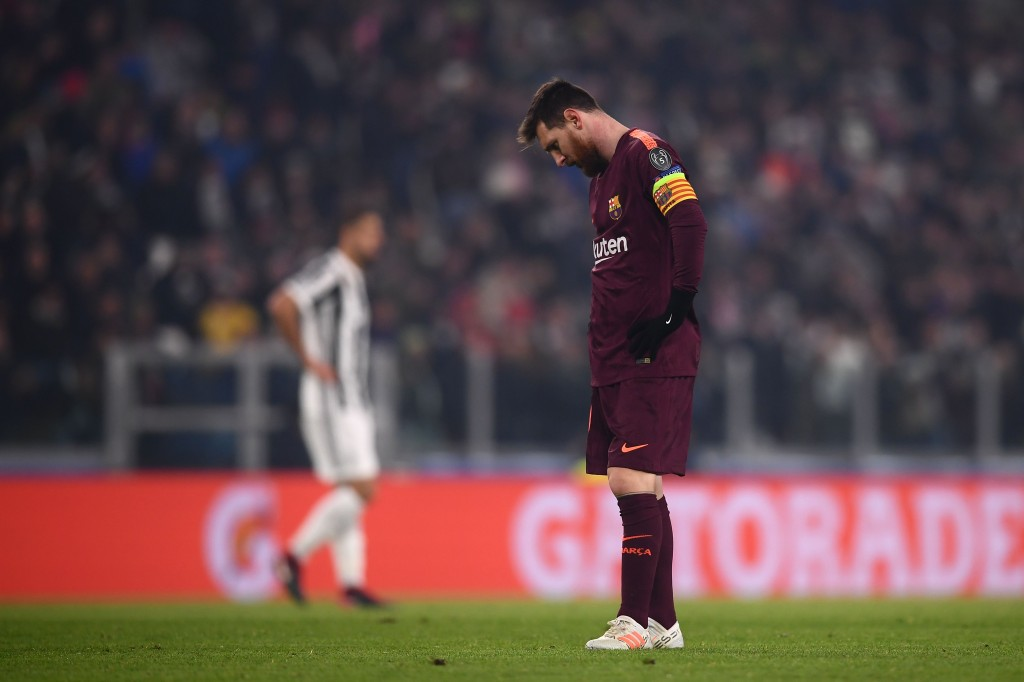 Barcelona's Argentinian forward Lionel Messi reacts during the UEFA Champions League Group D football match Juventus Barcelona on November 22, 2017 at the Juventus stadium in Turin. / AFP PHOTO / Marco BERTORELLO (Photo credit should read MARCO BERTORELLO/AFP/Getty Images)