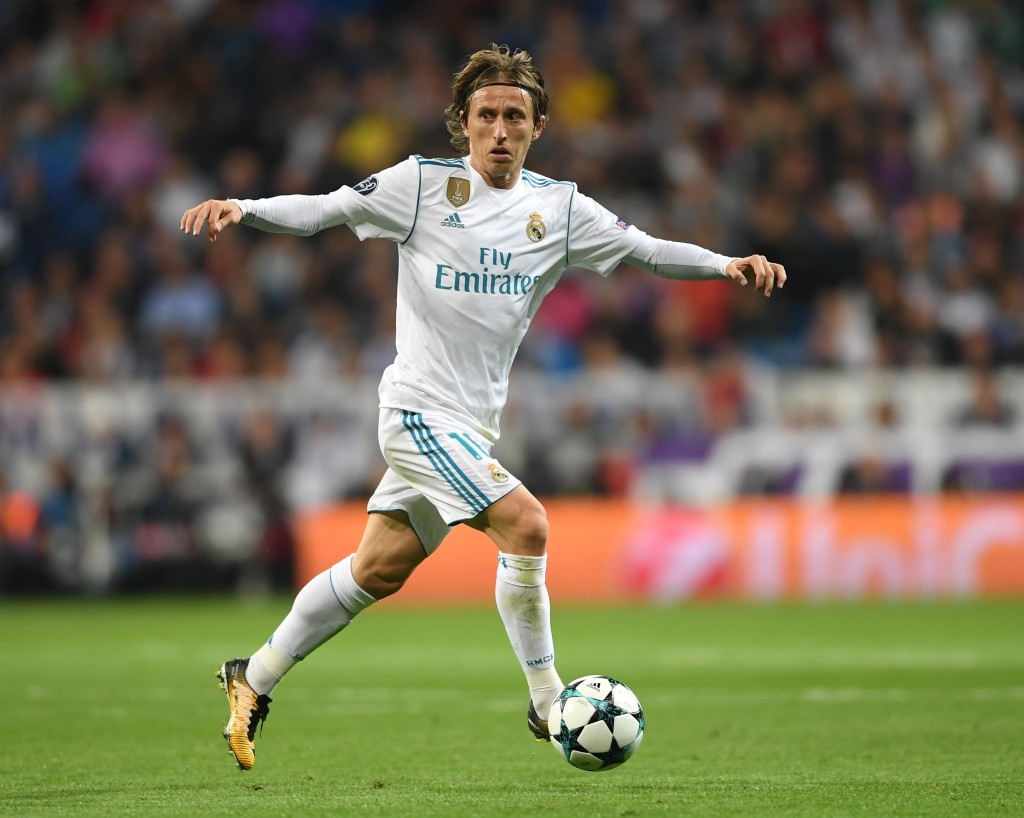 MADRID, SPAIN - OCTOBER 17: Luka Modric of Real Madrid in action during the UEFA Champions League group H match between Real Madrid and Tottenham Hotspur at Estadio Santiago Bernabeu on October 17, 2017 in Madrid, Spain. (Photo by Laurence Griffiths/Getty Images)