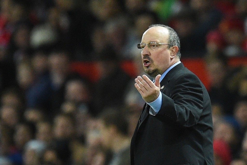 Newcastle United's Spanish manager Rafael Benitez gestures from the touchline during the English Premier League football match between Manchester United and Newcastle at Old Trafford in Manchester, north west England, on November 18, 2017. / AFP PHOTO / Oli SCARFF / RESTRICTED TO EDITORIAL USE. No use with unauthorized audio, video, data, fixture lists, club/league logos or 'live' services. Online in-match use limited to 75 images, no video emulation. No use in betting, games or single club/league/player publications. / (Photo credit should read OLI SCARFF/AFP/Getty Images)