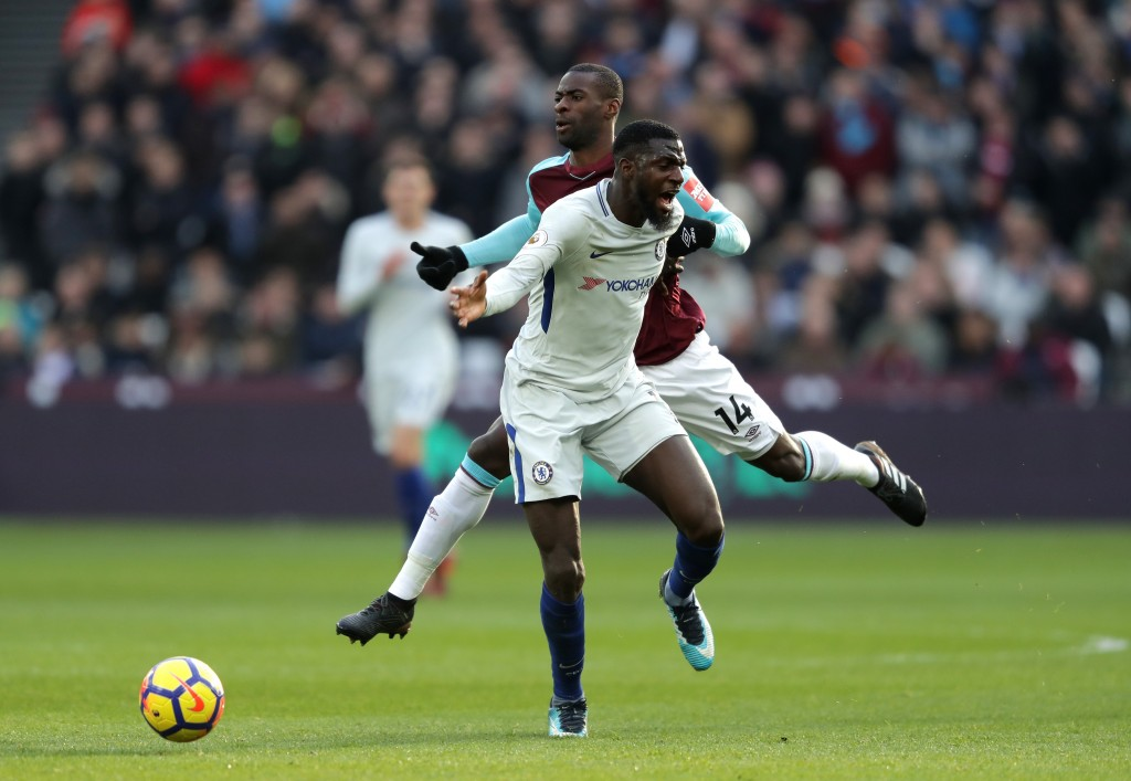 LONDON, ENGLAND - DECEMBER 09: Tiemoue Bakayoko of Chelsea is fouled by Pedro Obiang of West Ham United during the Premier League match between West Ham United and Chelsea at London Stadium on December 9, 2017 in London, England. (Photo by Richard Heathcote/Getty Images) *** Local Caption *** Pedro Obiang; Tiemoue Bakayoko