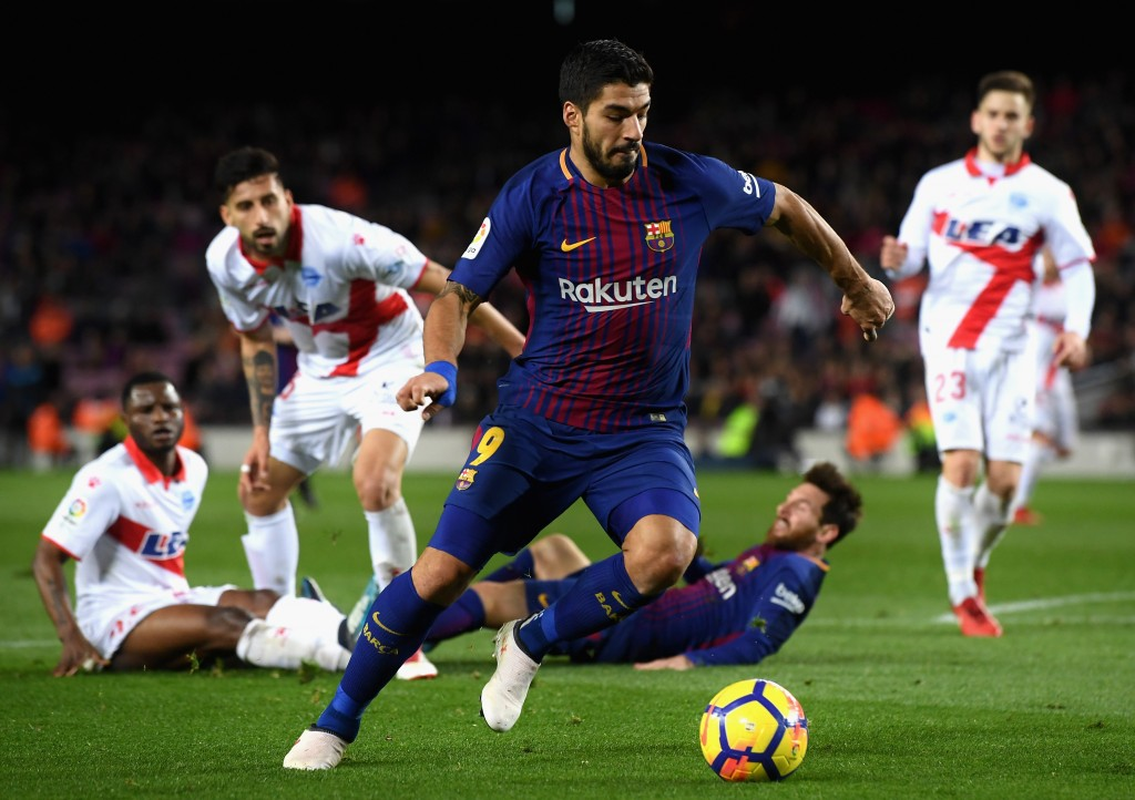 BARCELONA, SPAIN - JANUARY 28: Luis Suarez of Barcelona in action during the La Liga match between Barcelona and Deportivo Alaves at Camp Nou on January 28, 2018 in Barcelona, Spain. (Photo by David Ramos/Getty Images)