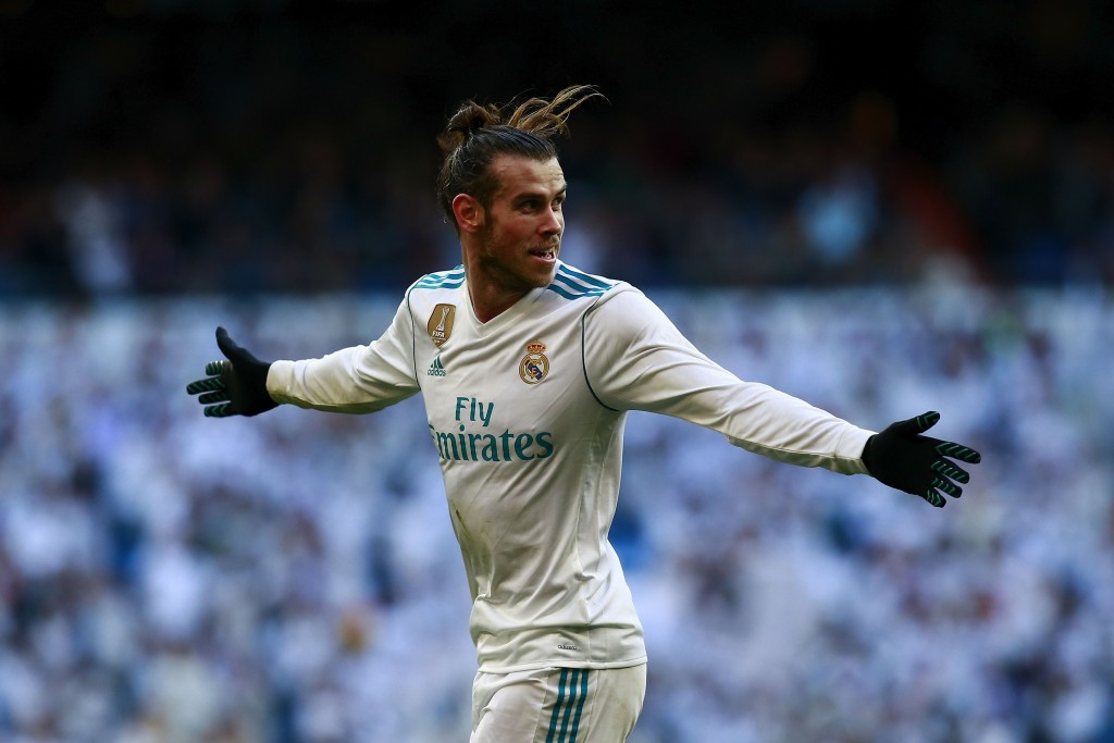 MADRID, SPAIN - JANUARY 21: Gareth Bale of Real Madrid CF celebrates scoring their second goal during the La Liga match between Real Madrid CF and Deportivo La Coruna at Estadio Santiago Bernabeu on January 21, 2018 in Madrid, Spain. (Photo by Gonzalo Arroyo Moreno/Getty Images)