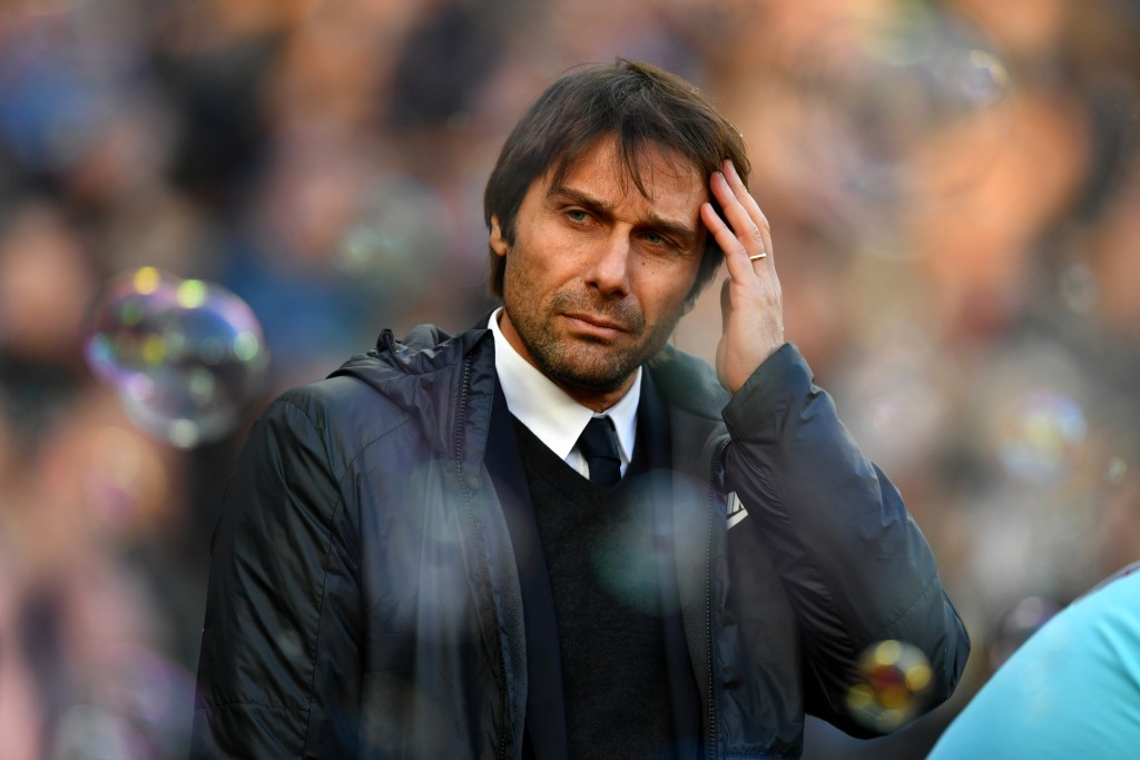 LONDON, ENGLAND - DECEMBER 09: Antonio Conte, Manager of Chelsea looks on prior to the Premier League match between West Ham United and Chelsea at London Stadium on December 9, 2017 in London, England. (Photo by Dan Mullan/Getty Images)
