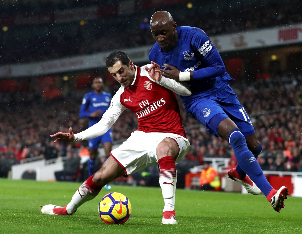 LONDON, ENGLAND - FEBRUARY 03: Henrikh Mkhitaryan of Arsenal battles for possesion with Eliaquim Mangala of Everton during the Premier League match between Arsenal and Everton at Emirates Stadium on February 3, 2018 in London, England. (Photo by Catherine Ivill/Getty Images)