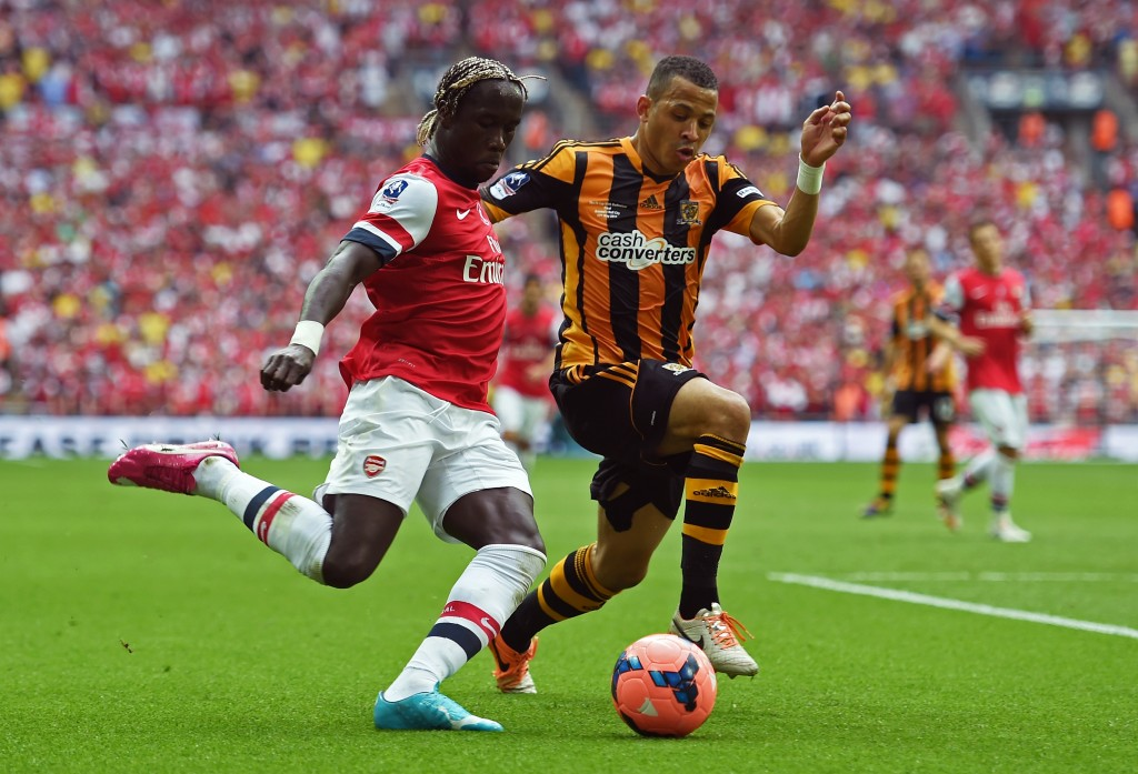 LONDON, ENGLAND - MAY 17: Bacary Sagna of Arsenal takes on Liam Rosenior of Hull City during the FA Cup with Budweiser Final match between Arsenal and Hull City at Wembley Stadium on May 17, 2014 in London, England. (Photo by Shaun Botterill/Getty Images)