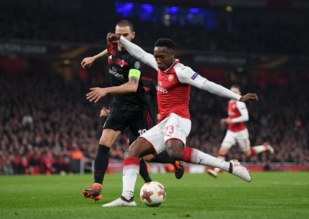 LONDON, ENGLAND - MARCH 15: Danny Welbeck of Arsenal shoots at goal during the UEFA Europa League Round of 16 Second Leg match between Arsenal and AC Milan at Emirates Stadium on March 15, 2018 in London, England. (Photo by Shaun Botterill/Getty Images)