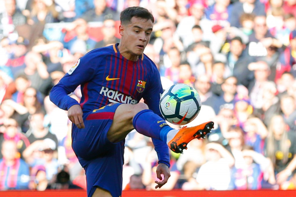 Barcelona's Brazilian midfielder Philippe Coutinho controls the ball during the Spanish League football match between FC Barcelona and Athletic Club Bilbao at the Camp Nou stadium in Barcelona on March 18, 2018. / AFP PHOTO / Pau Barrena (Photo credit should read PAU BARRENA/AFP/Getty Images)